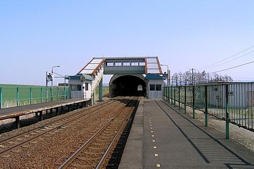 東追分駅ホーム