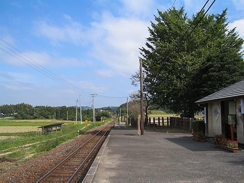 平山駅ホーム