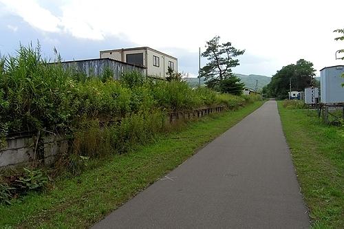 廃駅のホーム