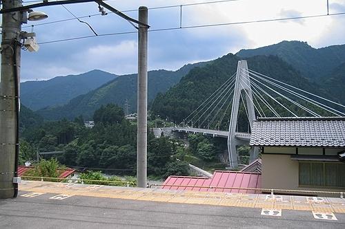川井駅ホーム向かい側の風景
