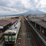 森駅構内と駒ケ岳