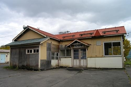 古い木造駅舎