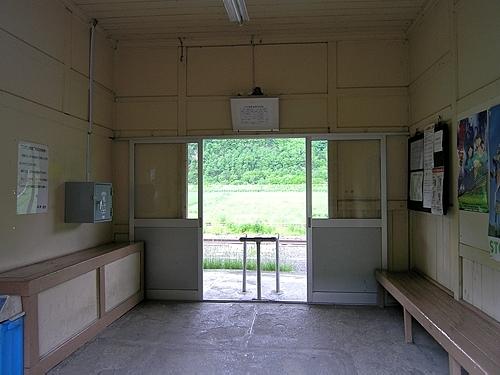 下白滝駅駅舎内