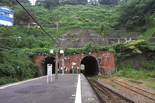 田浦駅レンガ積みのトンネル