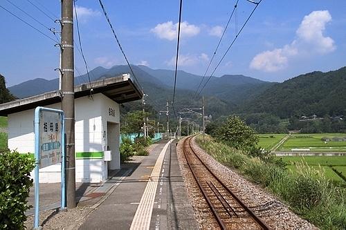 祖母島駅ホーム