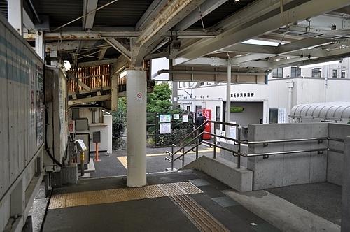 海芝浦駅・駅舎