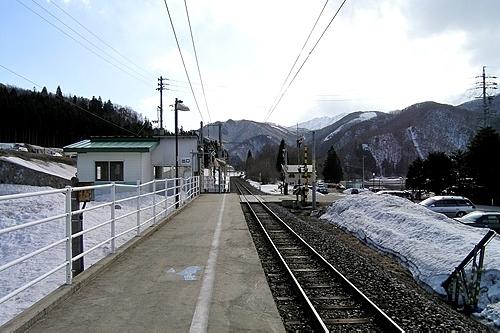 ヤナバスキー場前駅ホーム