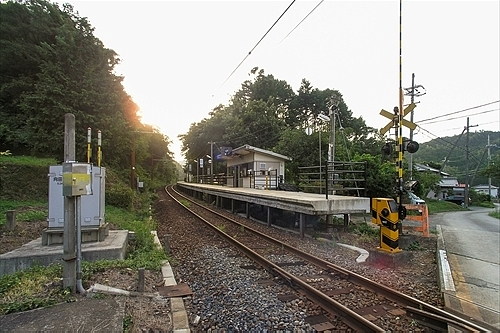 勢浜駅全体
